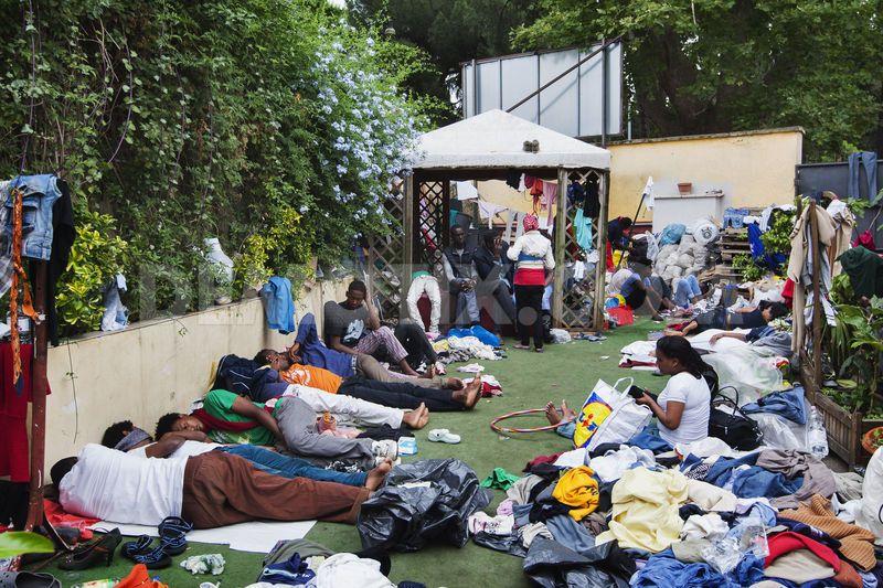 Approvata la mozione del consigliere radicale De Gregorio sui migranti in transito