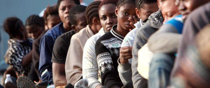 Migranti: amministratori locali reagiscano, sì alle cure per tutti