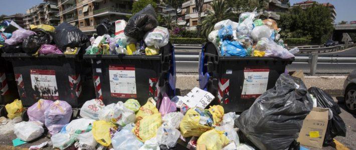 Raggi sfascia Ama, dimissioni Cda danno enorme per Roma