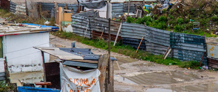 Campi rom, da Raggi solo spot, nuovo bando ennesima beffa